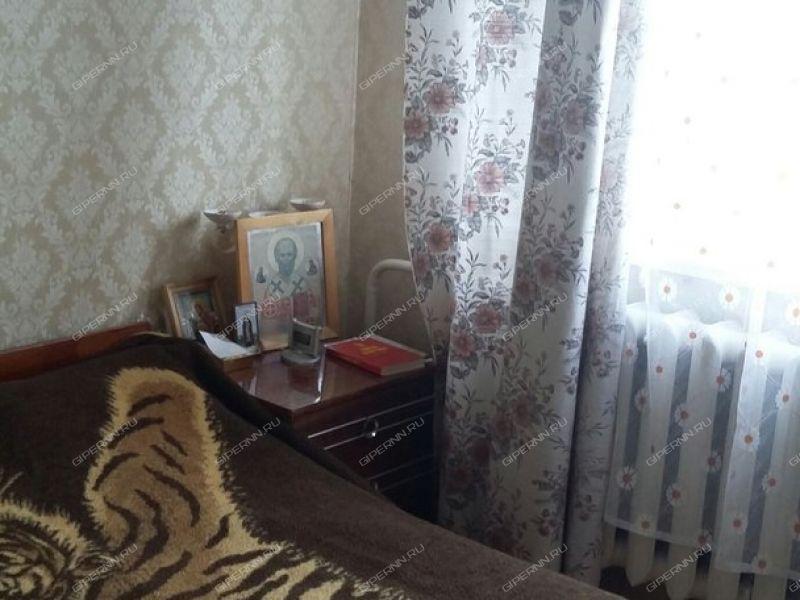 трёхкомнатная квартира на улице Германа Лопатина дом 5